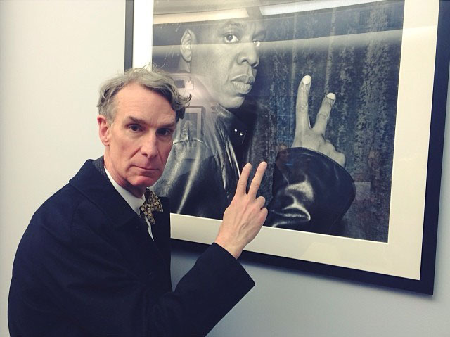 Bill Nye peace sign throwing science guy